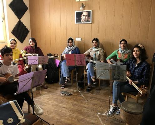 گزارش تصویری ازشروع کلاس های گروه نوازی تار توسط آقای وحید ایرانبان